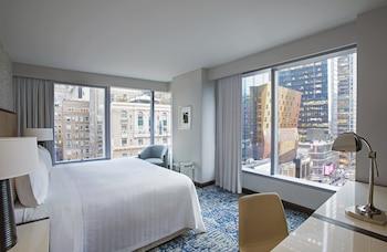 Deluxe Room, 1 King Bed, Corner