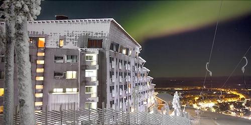 . Hotel Levi Panorama & Levi Chalet Apartments