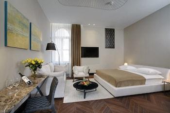 Junior Suite (villa Giulietta, Adjacent To Hotel Building)