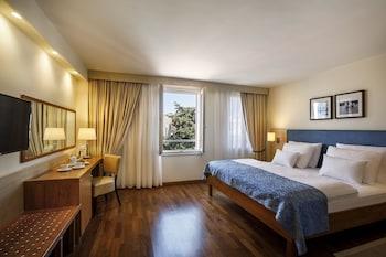 Classic Room (hotel Building)