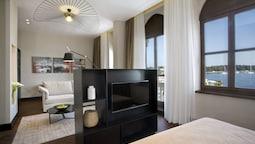 Junior Suite Sea View (villa Giulietta, Adjacent To Hotel Building)
