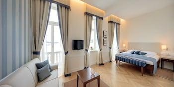 Riva Junior Suite, Sea View (villa Nicoletta, Adjacent To Hotel Building)