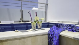Deluxe Room, Jetted Tub (outdoor)