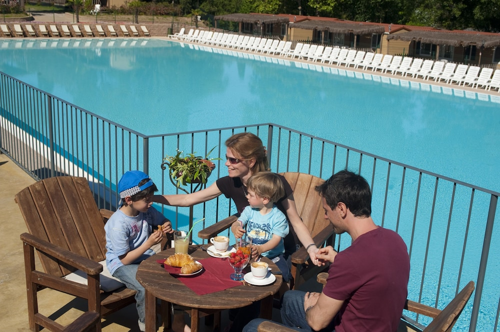알토민시오 패밀리 파크 - 캠프그라운드(Altomincio Family Park - Campground) Hotel Image 43 - Outdoor Pool