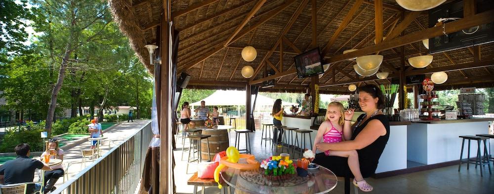 알토민시오 패밀리 파크 - 캠프그라운드(Altomincio Family Park - Campground) Hotel Image 61 - Hotel Bar