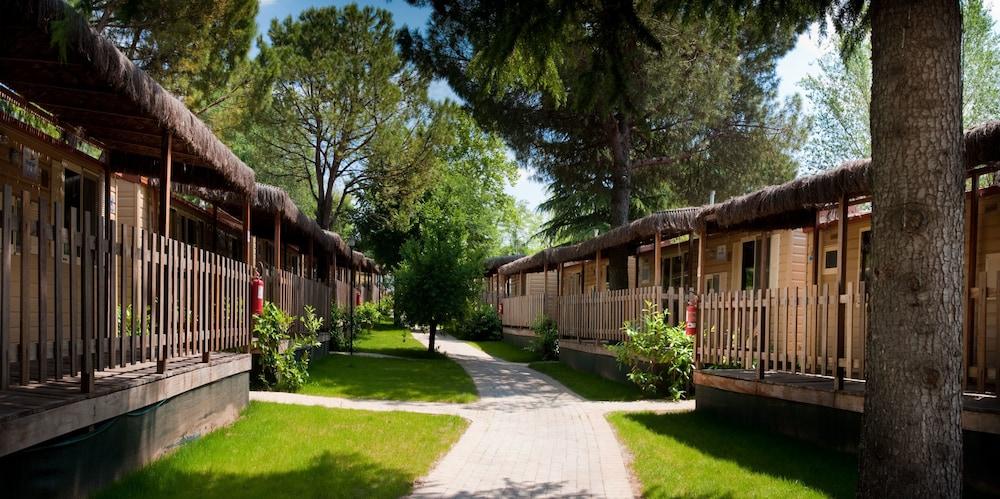 알토민시오 패밀리 파크 - 캠프그라운드(Altomincio Family Park - Campground) Hotel Image 65 - Property Grounds