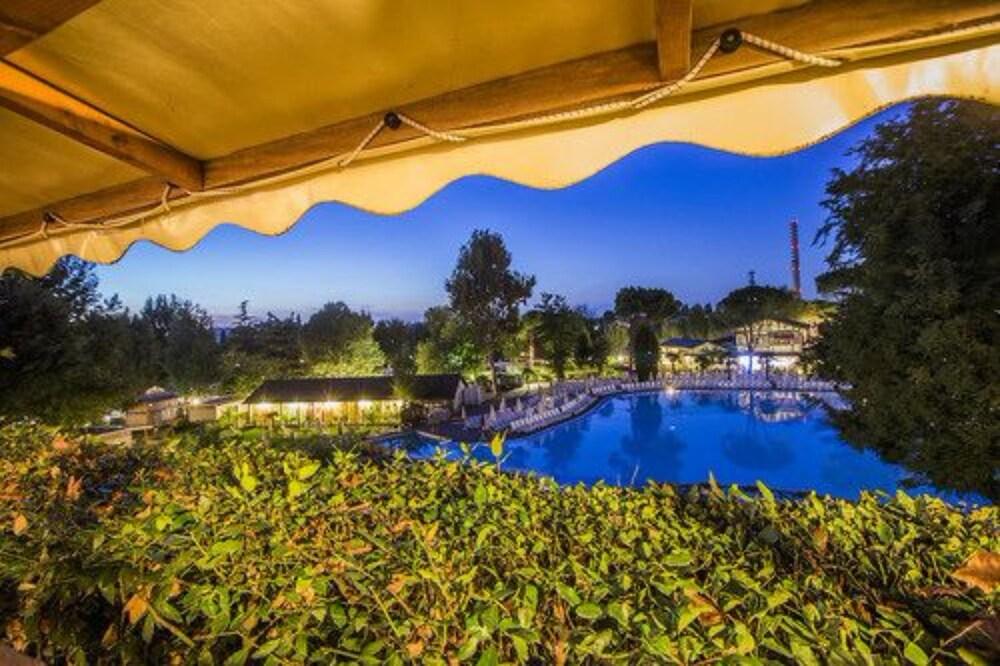알토민시오 패밀리 파크 - 캠프그라운드(Altomincio Family Park - Campground) Hotel Image 45 - Outdoor Pool
