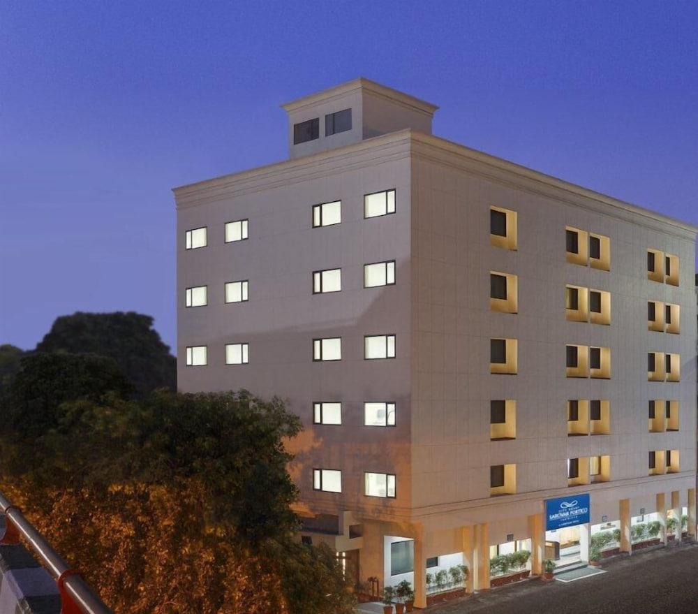 城市之心薩諾華盧迪亞納門廊飯店