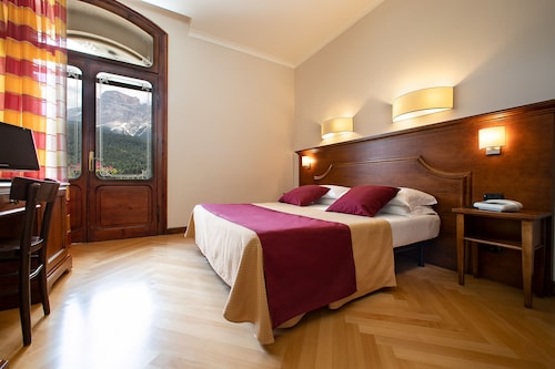 __{offers.Best_flights}__ Park Hotel Des Dolomites