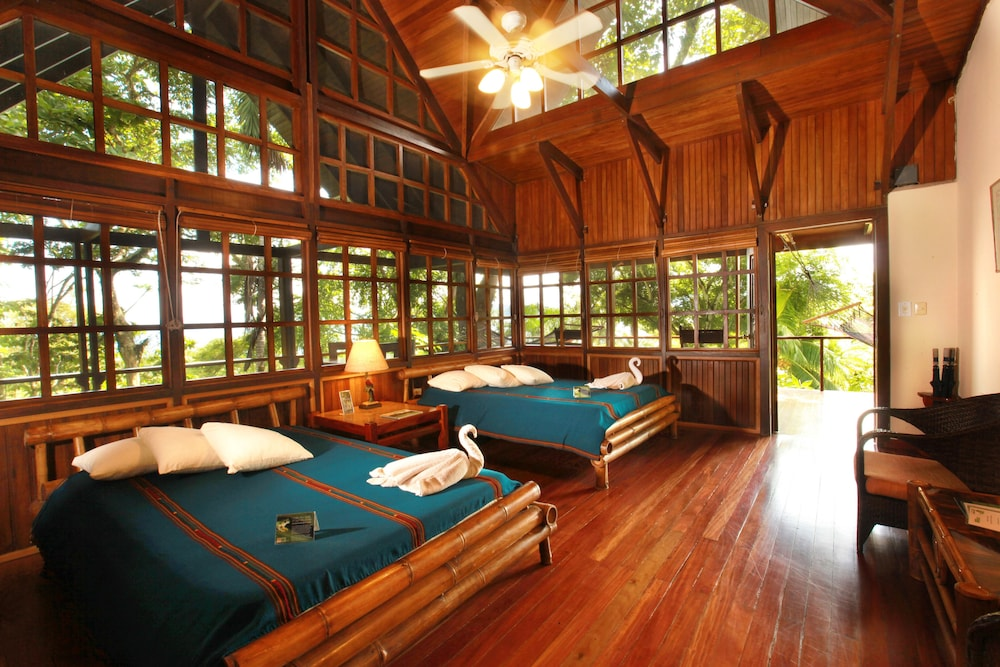 Aguila de Osa Rainforest & Marine Adventure Lodge