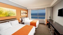 Superior Room, 2 Queen Beds, Sea View