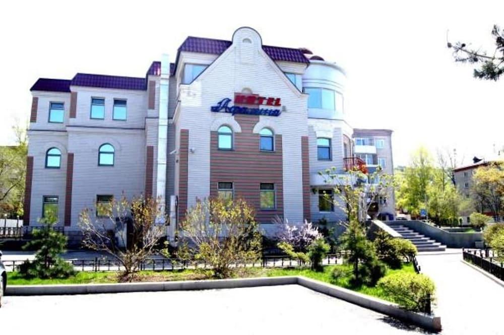 아팔리나 호텔