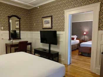 Hotel - Thayers Inn