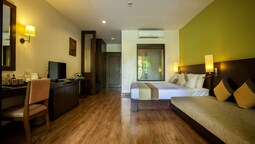 Deluxe Room, Pool View..