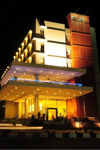 . Aston Ketapang City Hotel