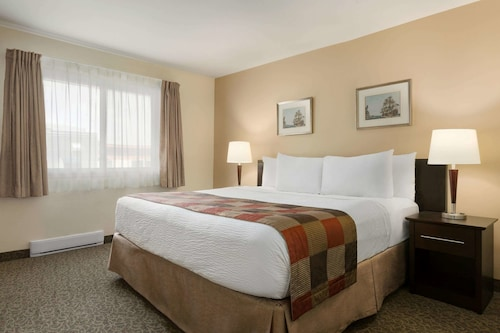 __{offers.Best_flights}__ Days Inn by Wyndham Montreal East