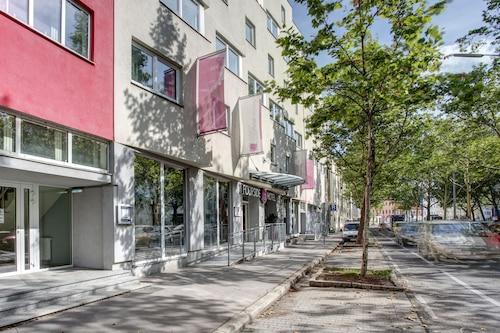 __{offers.Best_flights}__ FourSide Hotel & Suites Vienna