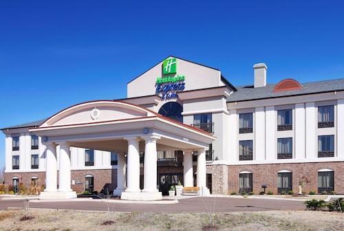 . Holiday Inn Express & Suites Covington
