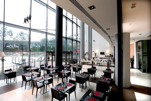 . Holiday Inn Nola - Naples Vulcano Buono
