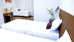 Premium Triple Room, 1 Bedroom, Kitchenette, Tower