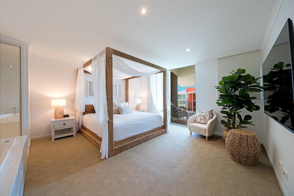 https://i.travelapi.com/hotels/4000000/3400000/3398200/3398158/7416e8f9_z.jpg