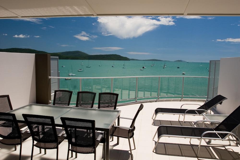 https://i.travelapi.com/hotels/4000000/3400000/3398200/3398158/7ee8ea59_z.jpg