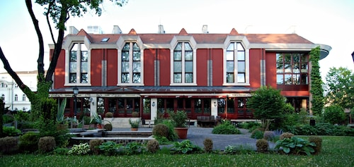 Golden Ball Club Hotel & Fitness, Győr