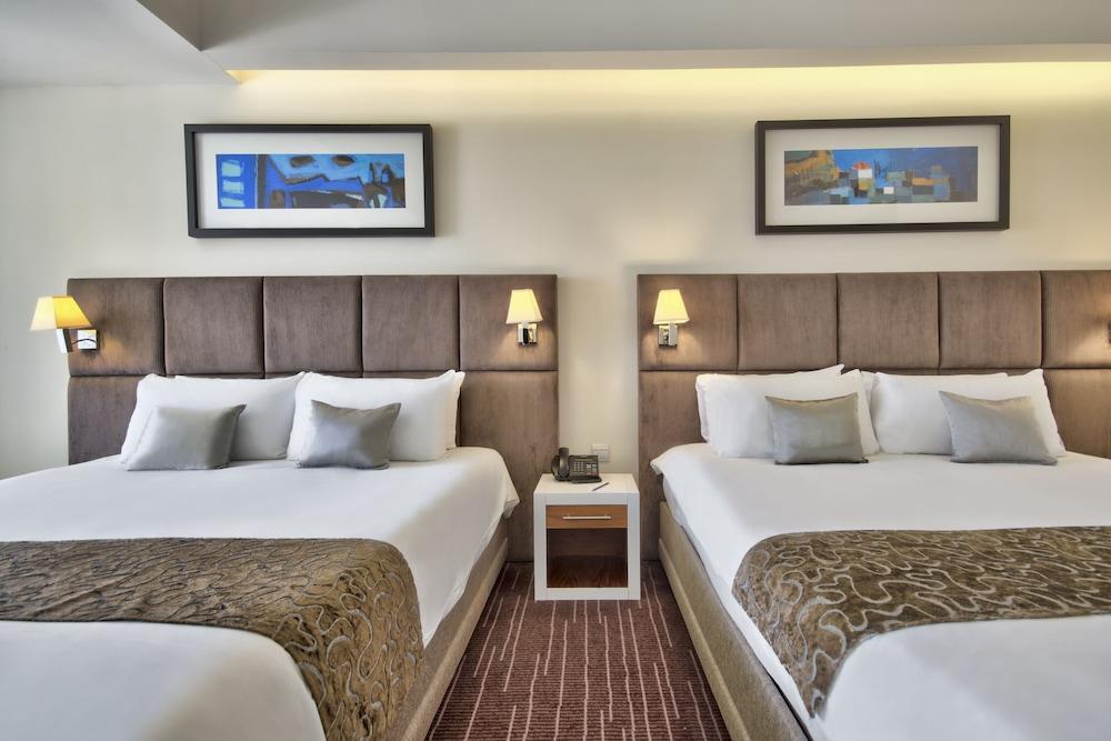 https://i.travelapi.com/hotels/4000000/3410000/3401000/3400981/a256034b_z.jpg