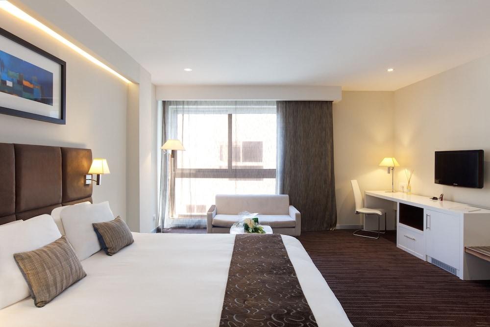 https://i.travelapi.com/hotels/4000000/3410000/3401000/3400981/bbb68663_z.jpg