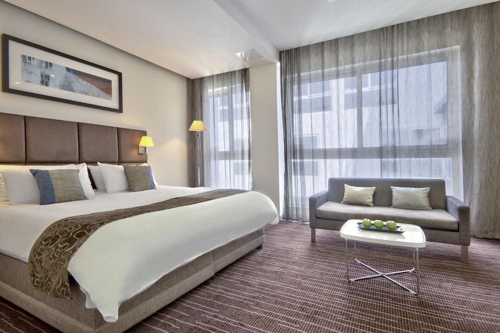 https://i.travelapi.com/hotels/4000000/3410000/3401000/3400981/d38fc9a3_z.jpg