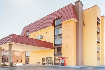 Hotel - Days Inn & Suites by Wyndham Pigeon Forge