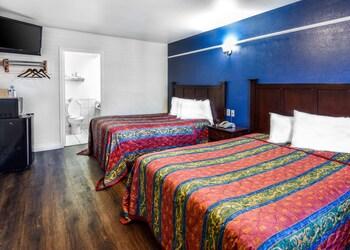 Standard Double Room, 2 Queen Beds, Smoking