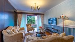 Perak Suite, Balcony