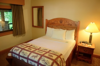 Room, 1 Queen Bed (Stone Cottages at Bear Mountain)