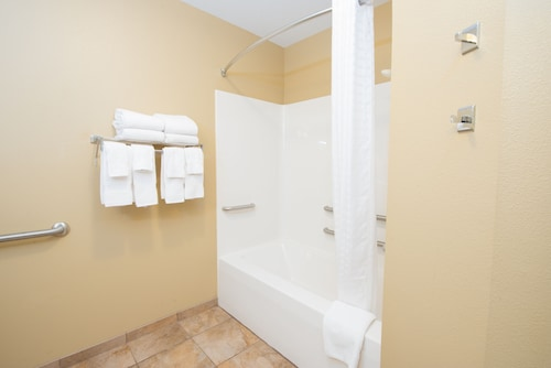 Candlewood Suites Minot, Ward