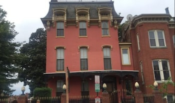 Mt Vernon Square Bed and Breakfast
