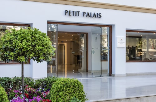 __{offers.Best_flights}__ Mitsis Petit Palais Beach Hotel