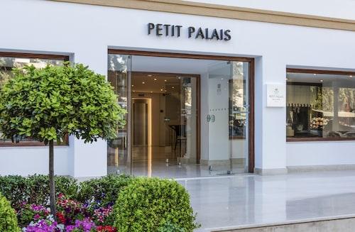 . Mitsis Petit Palais Beach Hotel