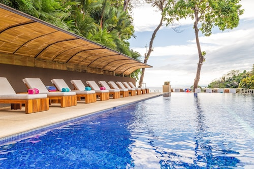 . Los Altos Resort