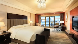Executive Room, 1 King Bed, Non Smoking (royal)