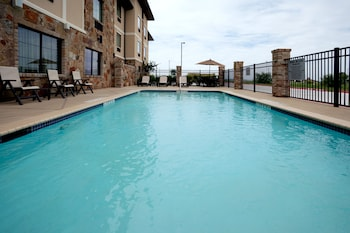 Holiday Inn Express Marble Falls - Pool  - #0