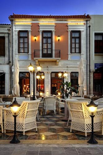 . Civitas Boutique Hotel