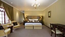 Luxury Triple Room, Patio (kingsize 8)