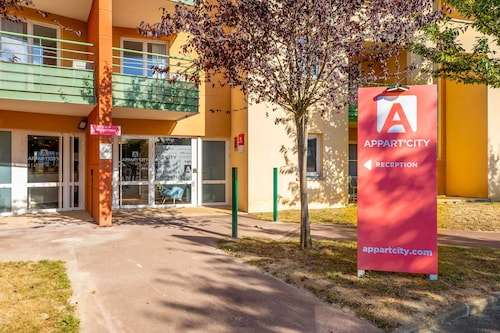. Appart'City Confort St Quentin en Yvelines - Bois d'Arcy