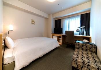 シングルルーム ダブルベッド 1 台 禁煙 (18 sqm)|ダイワロイネットホテル広島