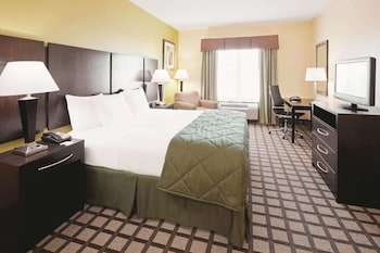 Deluxe Room, 1 King Bed, Accessible, Non Smoking (Mobility/Hearing Impaired Accessible)