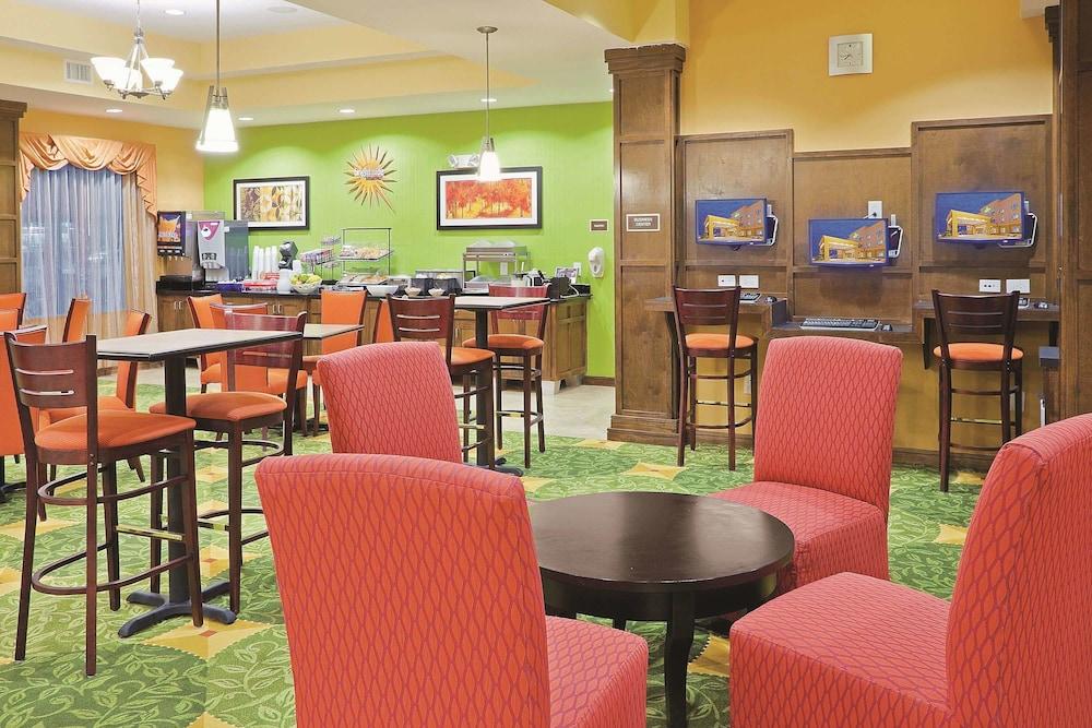 라 퀸타 인 & 스위트 패서디나 노스(La Quinta Inn & Suites Pasadena North) Hotel Image 17 - Dining