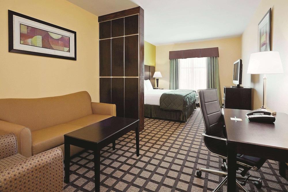 라 퀸타 인 & 스위트 패서디나 노스(La Quinta Inn & Suites Pasadena North) Hotel Image 9 - Guestroom
