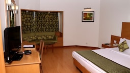 Club Double Or Twin Room, 1 Bedroom, Pool View
