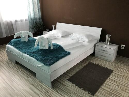 . Hotel Hubert Nové Zámky